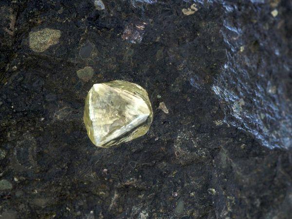 diamond metal image